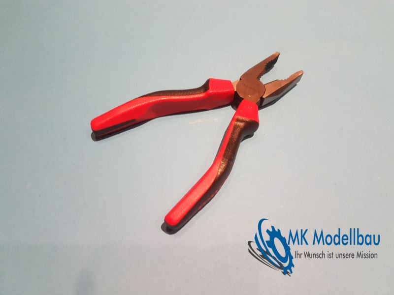 Pliers (various sizes)